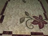 Светлый ковёр из шерсти